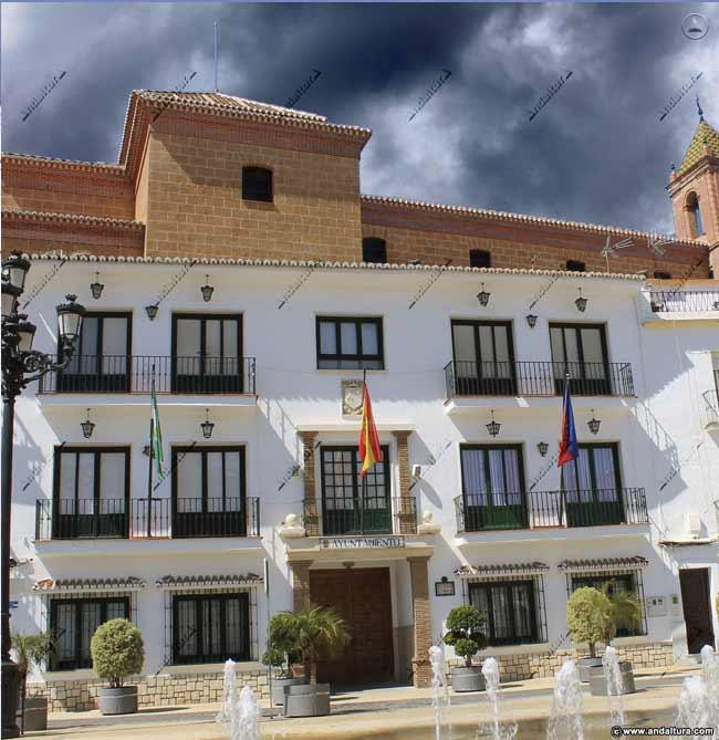Fachada del Ayuntamiento de Torrox que plagia los Contenidos de Andaltura sin nuestro permiso