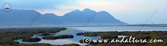 Teclea en la imagen y accede al Especial de los Espacios Naturales Protegidos de Andalucia. Amanecer en las Salinas del Cabo de Gata