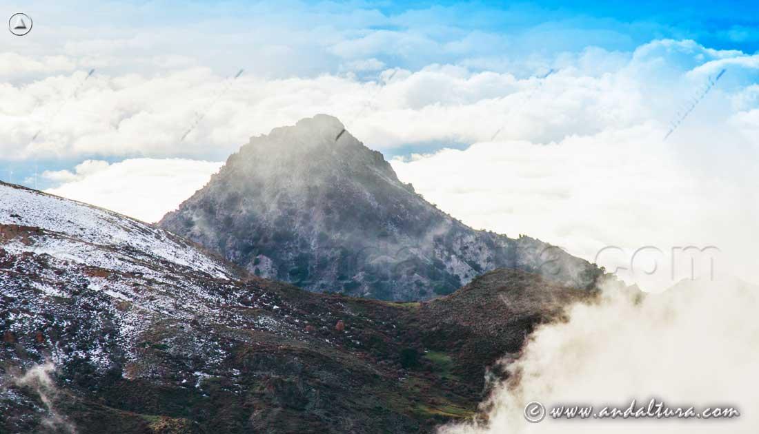 El Trevenque desde la Carretera de la Sierra
