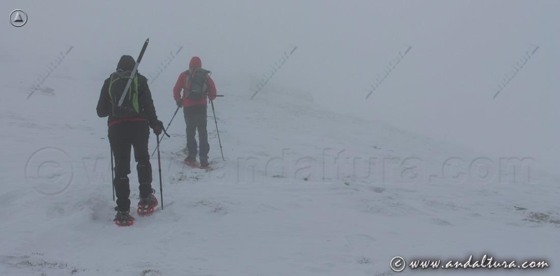 Ruta de Senderismo por Andalucía con raquetas de nieve