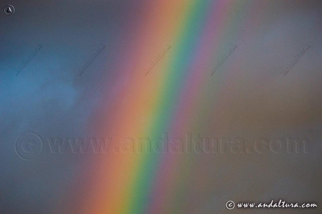 Detalle colores de un arco iris
