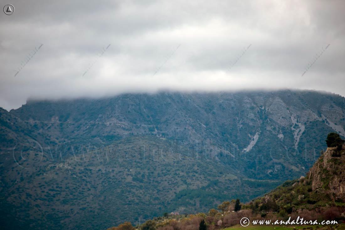 Cotas superiores del Torreón entre nubes