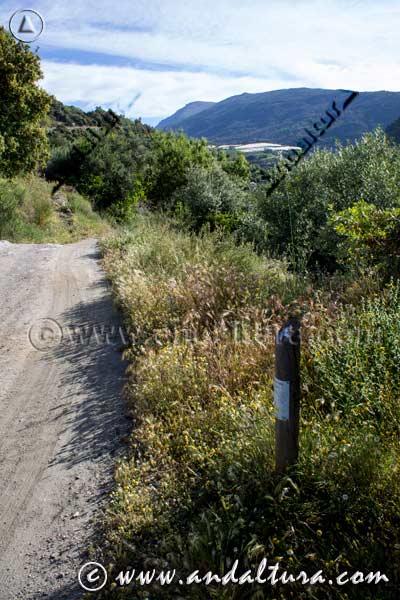 Señal de la Ruta Medieval por la Alpujarra