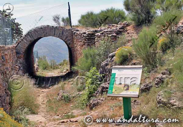 Cartel informativo y Túnel Minero de la Fabriquilla