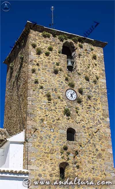 Detalle de la Torre de la Iglesia de San Sebastián de Juviles