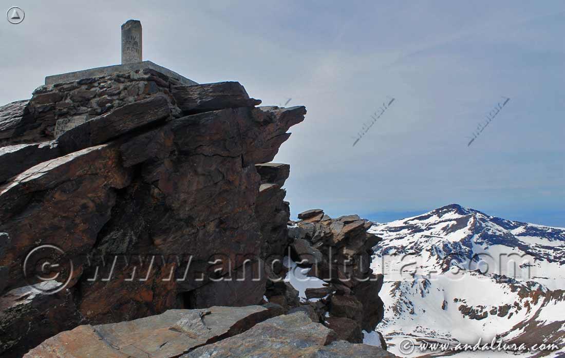 Tresmiles centrales de Sierra Nevada y Vértice Geodésico Mulhacén I